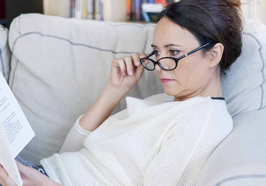 presbyopia-woman-1200x630